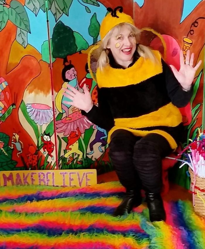 Mrs-Bee-Michelle-Pears-MAKEBELIEVE